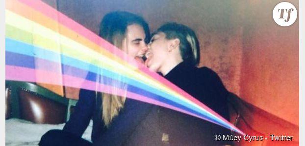 Miley Cyrus roule une pelle à Cara Delevingne