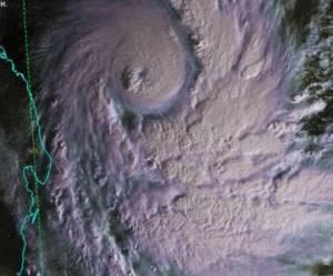 Cyclone à La Réunion: l'île bientôt en état de catastrophe naturelle