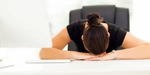 Fatigué à 10 heures au boulot : c'est quoi le problème ?