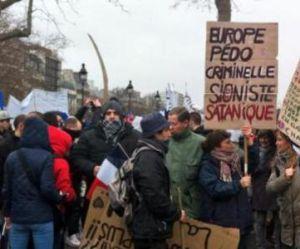 « Jour de Colère »: qui sont les manifestants anti-Hollande qui ont défilé ce dimanche à Paris ?