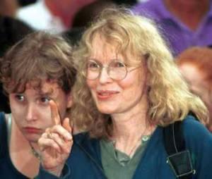 Qui est Dylan Farrow, qui accuse Woody Allen de l'avoir agressée sexuellement ?