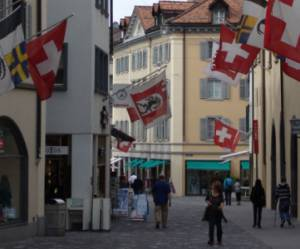 "Suisse: 50,3% votent contre ""l'immigration de masse"" venue de l'UE"