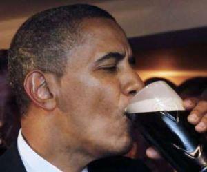 JO Sotchi 2014 : Barack Obama parie une caisse de bière sur le hockey et perd