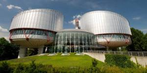 Burqa : un couple de musulmans saisit la cour de Strasbourg