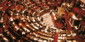 La très contestée prime aux salariés examinée à l'Assemblée nationale