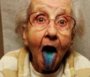 grandmabetty33 : une grand-mère malade devient une star sur Instagram