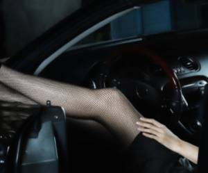 """Conduire en talons hauts, une """"faute"""" selon la Cour de cassation"""