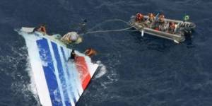 Crash Rio-Paris : l'identification des 104 corps rapatriés va pouvoir commencer