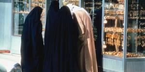 Deux musulmanes devant le tribunal pour port du voile intégral
