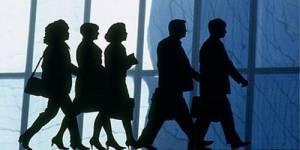 Les grandes entreprises toujours en voie de féminisation
