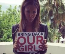 Nabilla soutient le mouvement Bring Back Our Girls