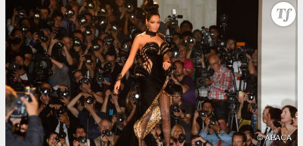 Cannes 2014 : après le sein, Nabilla montre ses fesses (photo)