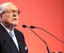 """Jean-Marie Le Pen estime que le virus Ebola peut """"régler en trois mois"""" les questions d'immigration"""