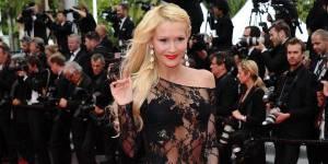 Cannes 2014 : Tatiana-Laurens (Secret Story) presque nue sur le tapis rouge
