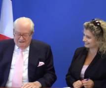 """FN: Le Pen dérape avec """"la fournée"""", Louis Aliot dénonce une sortie """"stupide"""" et """"consternante"""""""