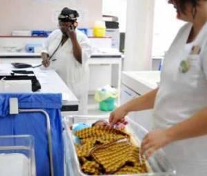 La Sécu veut réduire les séjours en maternité en renforcant le suivi lors du retour à la maison