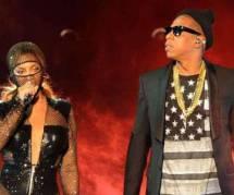 Oh surprise, Beyoncé montre ses fesses sur scène !