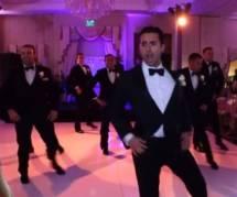 Il danse avec ses témoins à son mariage et enflamme le web - vidéo