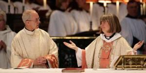 Angleterre : l'Église anglicane dit oui à l'ordination des femmes évêques