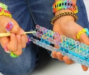 Rainbow Loom : comment faire des animaux en élastiques ? (tuto vidéo avec machine)