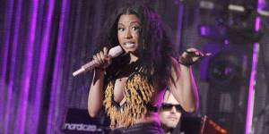 MTV Video Music Awards 2014 : Nicki Minaj montera sur scène