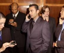 Les femmes seules dans les ascenseurs, un danger pour les hommes ?