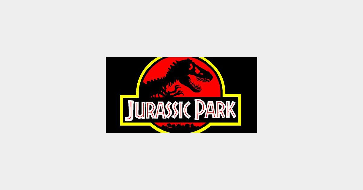 a summary of jurassic park by steven spielberg Steven spielberg, 127 minutes film plot summary the film opened with a  deadly accident within jurassic park during the movement of a vicious creature -  a.