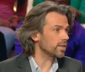 Aymeric Caron : le chroniqueur est-il en couple ou célibataire ?