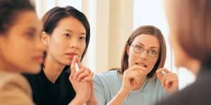 Égalité hommes-femmes au travail : et ailleurs dans le monde, on en est où ?