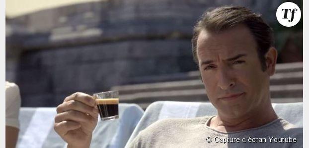 Jean Dujardin se met dans la peau de George Clooney pour du café - vidéo