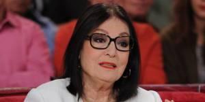 Vivement dimanche : Nana Mouskouri poursuit sa tournée