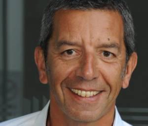 Interventions : Michel Cymes critique la série avec Anthony Delon