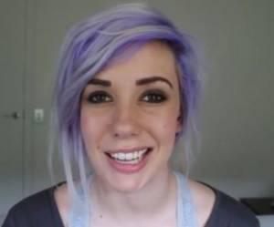 Menacée de viol par des ados sur le web, la gameuse Alanah Pearce contacte leur maman sur Facebook