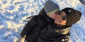 Amélie Neten s'éclate en vacances avec son fils Hugo