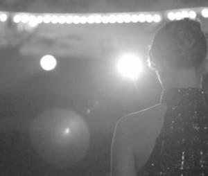 Gates of the sun : Lorie ultra glamour dans le clip vidéo