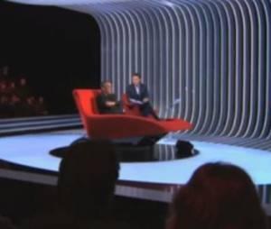 Marc-Olivier Fogiel allonge Thierry Ardisson dans son divan