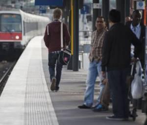 Viol dans le train Paris-Melun : pourquoi aucun témoin n'a réagi ?