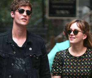 50 Shades of Grey : Dakota Johnson déjà remise de sa rupture avec Matthew Hitt ?