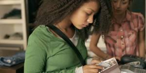 Comment aider son enfant à gérer son argent de poche ?