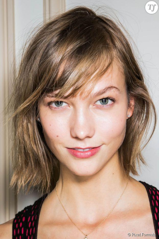 Le carré flou de Karlie Kloss pour les cheveux fins.