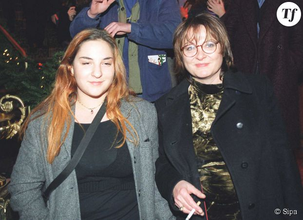 """La première de """"La buche"""" : Josiane Balasko et sa fille en 1999"""