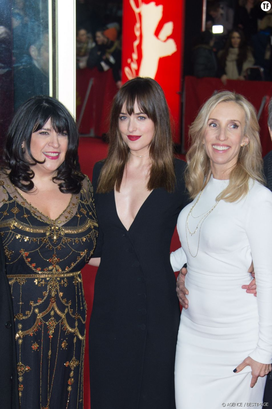 Erika Leonard (alias E. L. James), Dakota Johnson et Sam Taylor-Johnson à la première de 50 Shades of Grey lors du 65e festival international du film de Berlin le 11 février 2015.