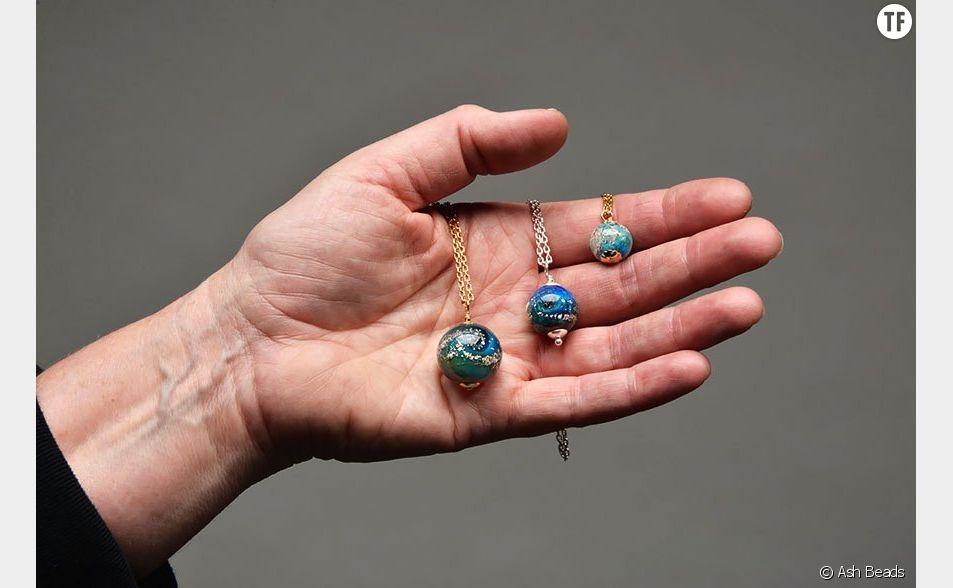 Des perles faites de cendres de défunt.