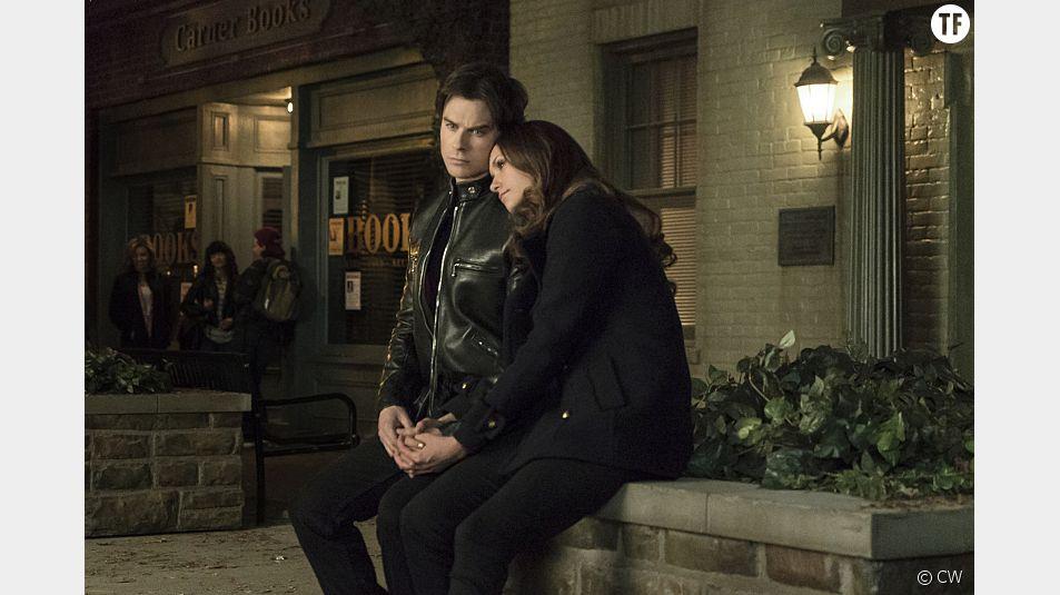 Elena et Damon dans l'épisode 18 de la saison 6 de The Vampire Diaries.