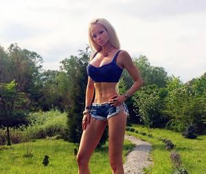 Valeria Lukyanova : la Barbie humaine répond aux internautes choqués par ses photos
