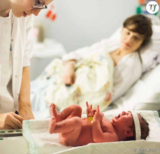 Une médecin s'inquiète de l'augmentation des accouchements médicalisés.