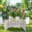 Table d'anniversaire en été