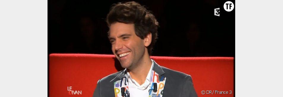 """Mika dans """"Le divan"""" de Marc-Olivier Fogiel"""