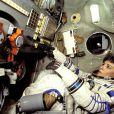 Claudie Haigneré à bord de la capsule Soyouz en 1996