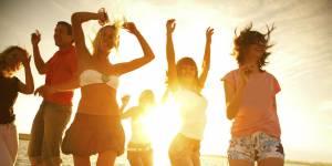 Été au bureau : la playlist ensoleillée pour vous croire en vacances